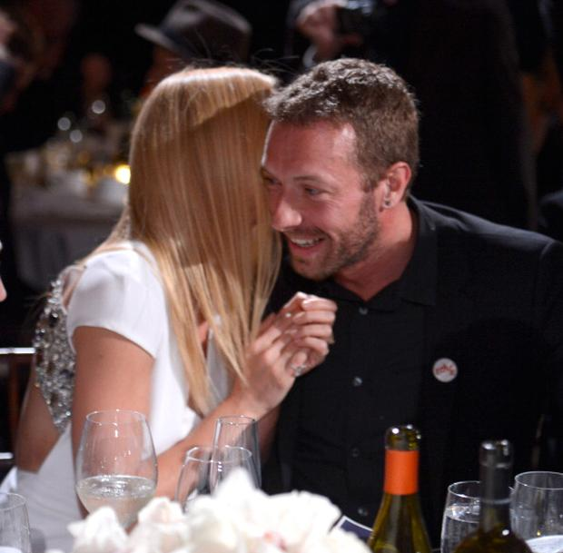 Gwyneth Paltrow and Chris Martin attend the 3rd annual Sean Penn & Friends HELP HAITI HOME Gala benefiting J/P HRO presented by Giorgio Armani at Montage Beverly Hills on January 11, 2014 in Beverly Hills, California. (Photo by Kevin Mazur/Getty Images for J/P Haitian Relief Organization)