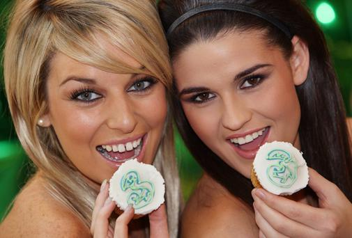 Picture shows models from left Pippa O'Connor and Lynne Kelly, with 3Store cupcakes,