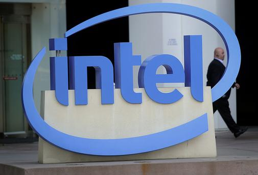 Intel wants to tie executives' pay to performance