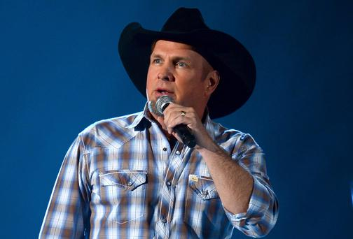 Garth Brooks: all... or nothing at all