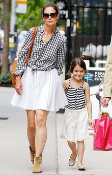 Holmes was the spitting image of her daughter Suri when she was the same age