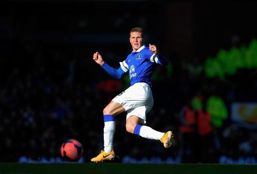 Everton manager Roberto Martinez will reward Irish midfielder James McCarthy with a new contract in the summer