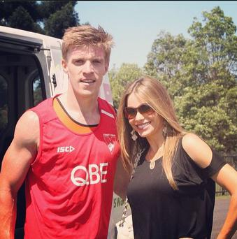 Kerryman Tommy Walsh with the beautiful Sofia Vergara (Instagram/TommyWalshKor)