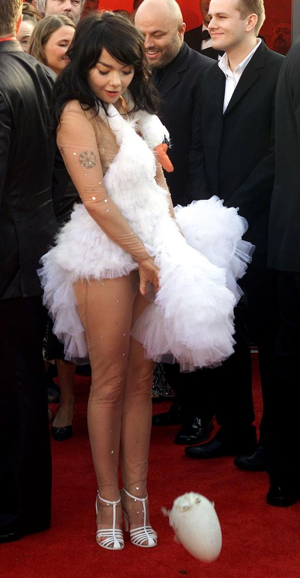 Possibly our favourite Oscars outfit ever - Bjork wore a swan dress to the Oscars in 2001. And promptly laid an egg on the red carpet