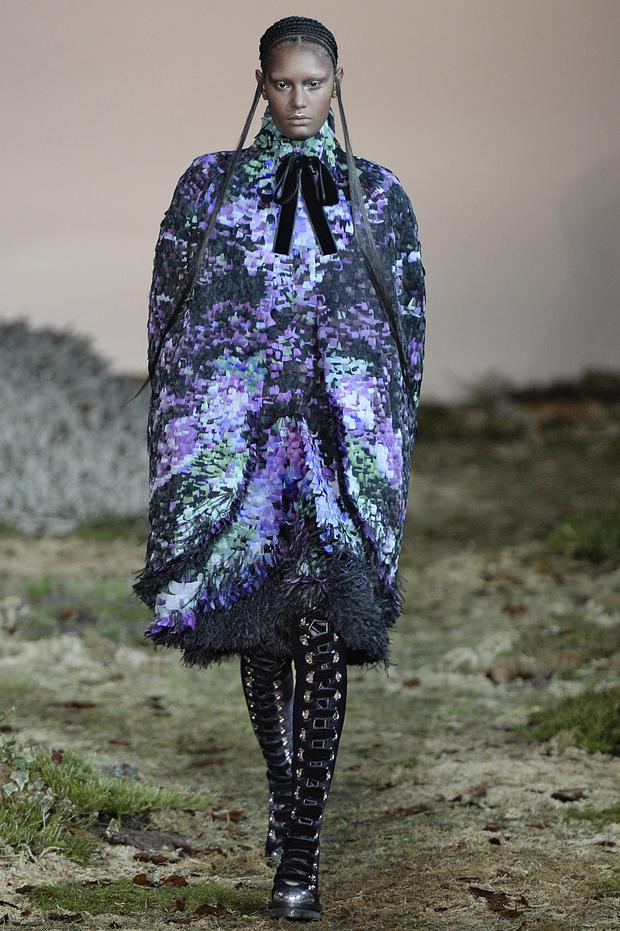 A model walks the runway at the Alexander McQueen Autumn Winter 2014 fashion show during Paris Fashion Week on March 4, 2014 in Paris, France. (Photo by Catwalking/Getty Images)