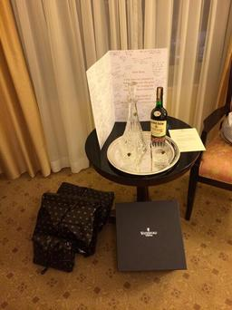 Brian O'Driscoll tweeted this image last night of the gift left for him by staff at the Shelbourne Hotel in honour of his distinguished career