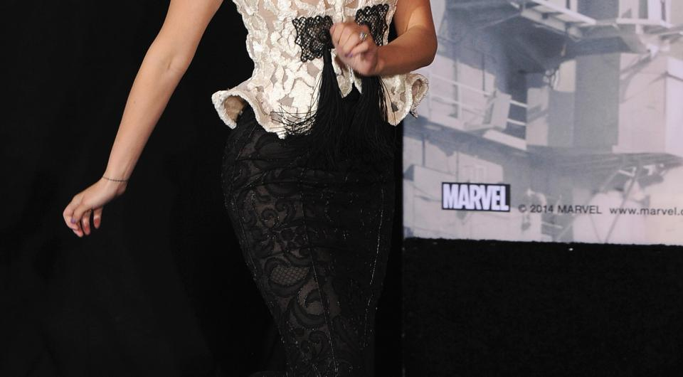 Actress Scarlett Johansson attends the premiere of Marvel's
