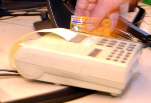 The new Visa debit cards are 'confusing customers'.