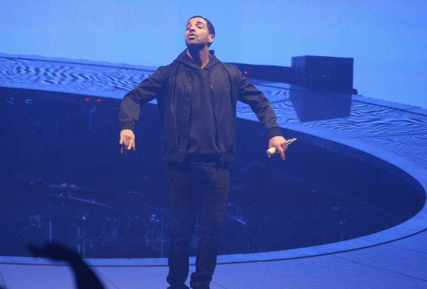 Drake calls out Kanye West for 'publicly shitting on him'