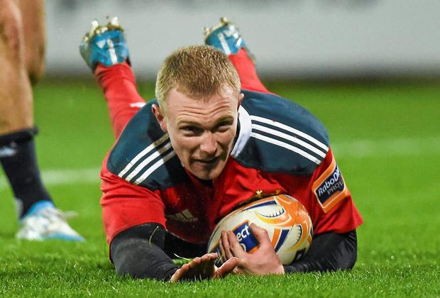 Keith Earls, Munster, scores his side's first try