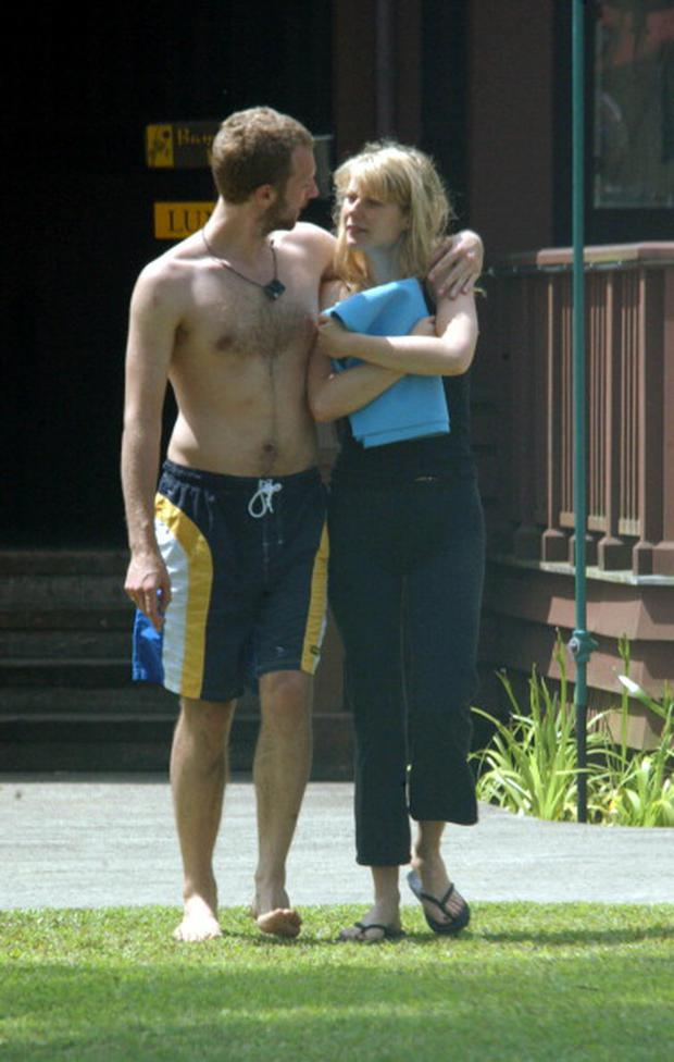 Gwyneth Paltrow and Chris Martin are seen on May 01, 2002 in Kauai, Hawaii. (Photo by Bauer-Griffin/GC Images)