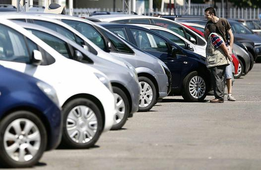 Records broken as 4,000 new cars sold on first day of 142 reg plate period