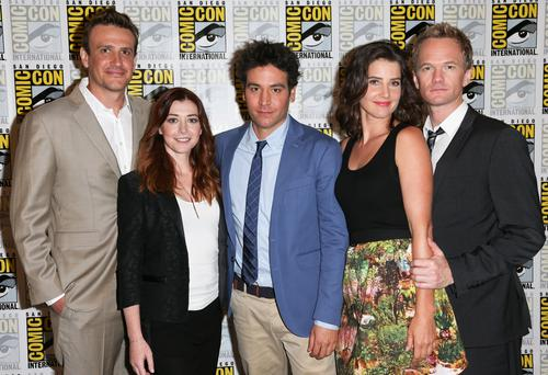 (L-R) Actors Jason Segel, Alyson Hannigan, Josh Radnor, Cobie Smulders, and Neil Patrick Harris attend the 'How I Met Your Mother' press line