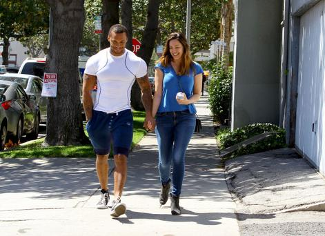 LOS ANGELES, CA - APRIL 02: Kelly Brook and David McIntosh are seen on April 02, 2014 in Los Angeles, California. (Photo by Bauer-Griffin/GC Images)