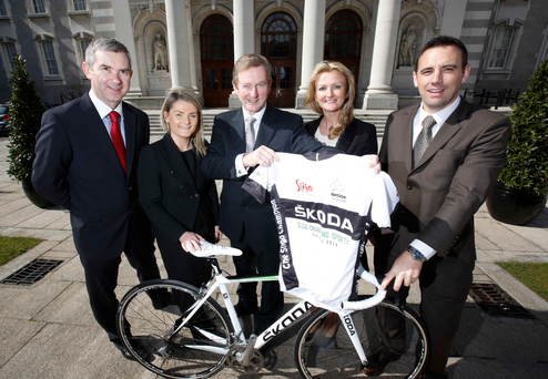 An Taoiseach launches Cycle Series Pictured above with An Taoiseach for the launch of the Skoda Cycle Series is; John Feerick (INM Regional's), Ciara Walsh (Skoda), Lorraine McDonnell (The Sligo Champion) and Raymond Leddy (Skoda).