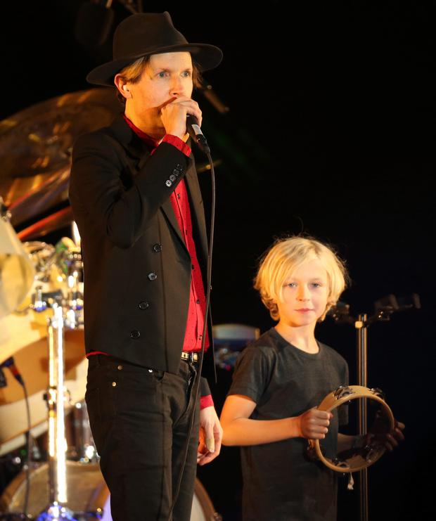 What A Cute Cameo Becks 10 Year Old Son Cosimo Joins Dad On Stage