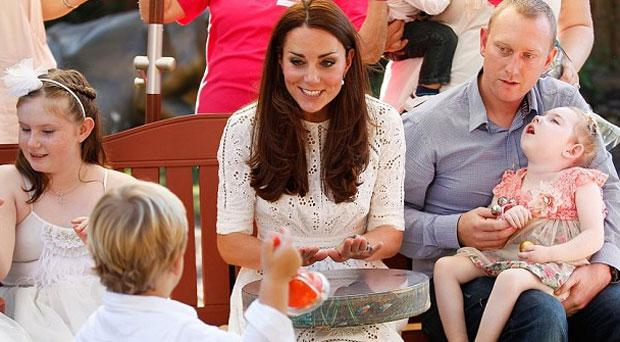 Kate Middleton sings with patients of Bear Cottage in Sydney