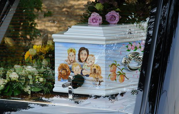 The decorated coffin carrying Peaches Geldof arrives at her funeral at St Mary Magdalene & St Lawrence Church in Faversham, England. (Photo by Ben A. Pruchnie/Getty Images)