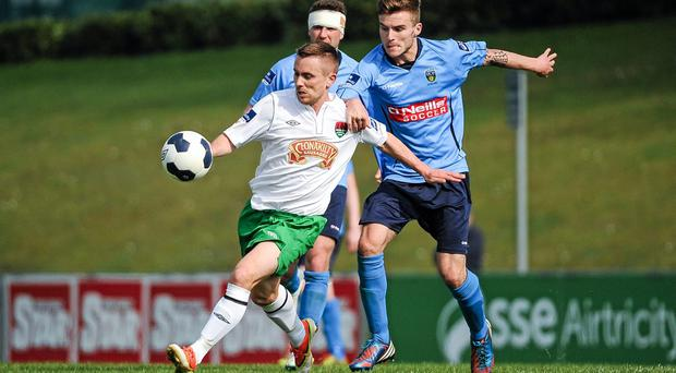 Billy Dennehy, Cork City, in action against Colm Crowe, UCD. Airtricity League Premier Division, UCD v Cork City, UCD Bowl, Belfield, Dublin. Picture credit: Tomás Greally / SPORTSFILE