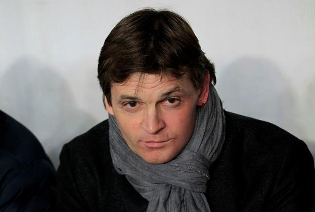 Barcelona's former coach Tito Vilanova has died after battle with throat cancer