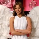 "Victoria's Secret model Karlie Kloss poses for photos at the reveal for the new look of the fragrance ""Heavenly"" in Chicago, Illinois, April 29, 2014. Reuters."