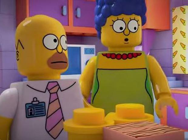 Homer and Marge Lego-style