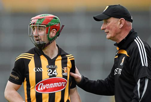 Brian Cody gives some instructions to Eoin Larkin