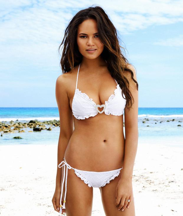 Model Chrissy Teigen