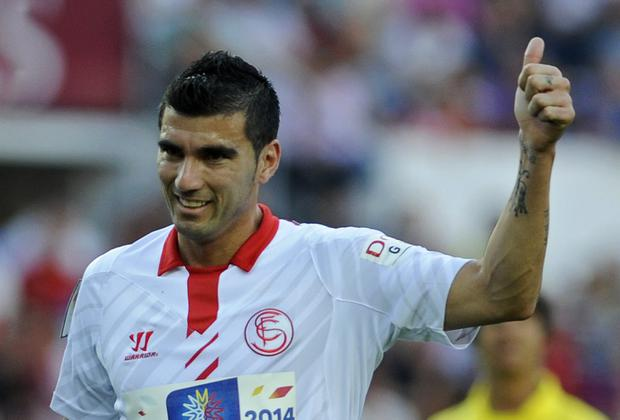Jose Antonio Reyes is desperate to clinch the Europa League title with Sevilla tonight. Photo: GOGO LOBATO/AFP/Getty Images