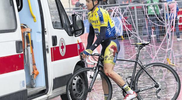 Nicolas Roche after his fall