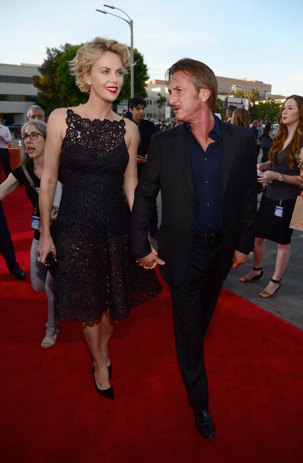 Actress Charlize Theron and actor Sean Penn