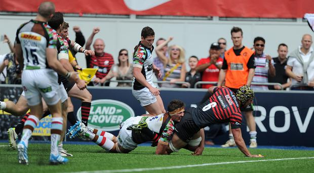 Saracens Kelly Brown scores his sides opening try of the game against Harlequins during the Aviva Premiership Play-off, Semi Final match at Allianz Park.