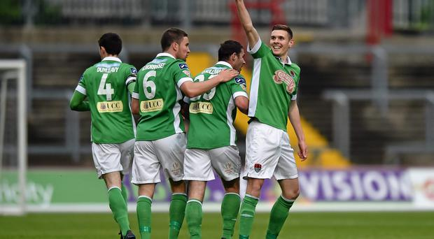 Garry Buckley, Cork City, celebrates with team-mates after scoring his side's first goal. SSE Airtricity League Premier Division, Limerick v Cork City, Thomond Park, Limerick. Picture credit: Diarmuid Greene / SPORTSFILE