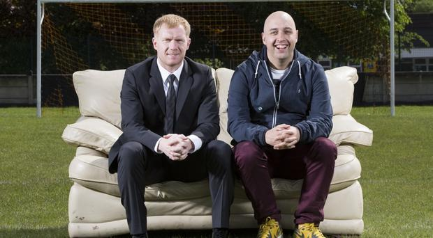 Paul Scholes with Paddy Power Editorial Manager Paul Mallon