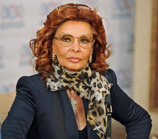 sophia-loren-the-charity-federation-fund-of-russia-01.jpg