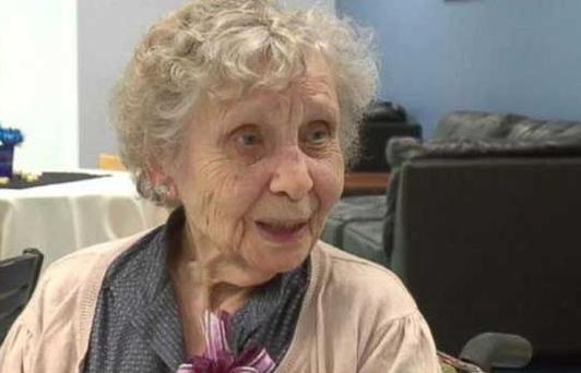 Graduation ceremony held for Jessie White 75 years after she left Beal College (Photo: ABC news)