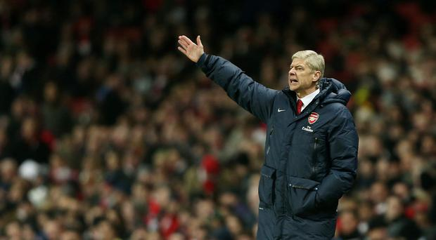Arsenal manager Arsene Wenger has signed a deal to keep him at Arsenal until at least 2017