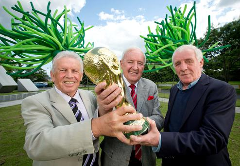 RTÉ sport presenter Bill O'Herlihy alongside RTÉ soccer pundits and former Republic of Ireland internationals John Giles and Eamon Dunphy