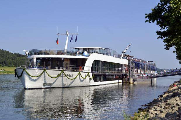 AmaWaterways_cruise_ship_AmaPrima_-04.JPG