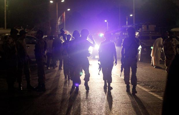 Paramilitary soldiers arrive at Jinnah International Airport in Karachi June 9, 2014. Gunmen attacked one of Pakistan's biggest airports in Karachi on Sunday, killing at least five people, police said. REUTERS/Athar Hussain