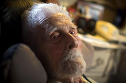 111-year-old Dr. Alexander Imich at his home on New York City's upper west side on May 9, 2014. REUTERS/Mike Segar/Files