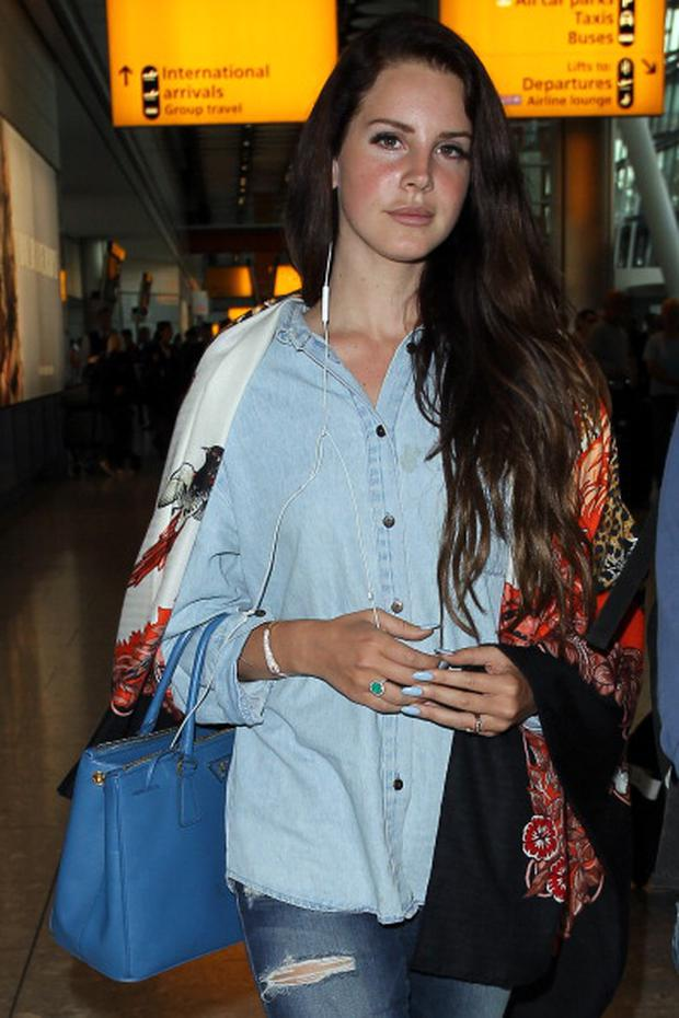 Lana del Rey pictured in Heathrow Airport, London (Photo by Neil P. Mockford/GC Images)