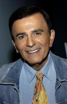 Radio personality Casey Kasem arrives at the Golden Dads Awards ceremony at the Peterson Automotive Museum on June 15, 2005 in Los Angeles, California. (Photo by Amanda Edwards/Getty Images)