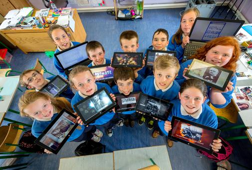 Pupils from Scoil Mhichil Naofa, Galmoy, whose videos are on Scoilnet. Front (l-r)Katie Bergin, Kelly Ann Ryan, Odhran Moloney, Jack Hanrahan and Aoibheann Duggan, Back (l-r) Matt Delany, Aoife Hynes, Padriag Glendon, Billy Drennan, Jay Maguire, Kassia-Belle McNamara Tully and Rachel Nicholson. Photo: Dylan Vaugha .