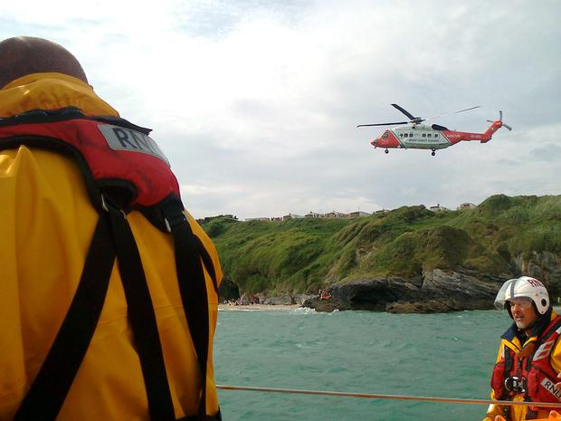 Wicklow RNLI assists four people in difficulty at Silver Strand beach d