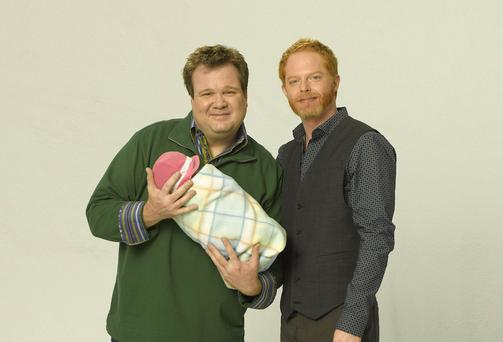 Modern Family Season 2 - Unplugged Eric Stonestreet as Cameron Tucker, Jesse Tyler Ferguson as Mitchell Pritchett and Julie Bowen as Claire Dunphy. ©Disney ABC Television Group