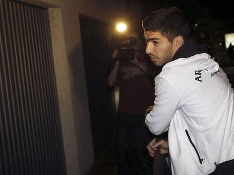 Luis Suarez arriving in Barcelona