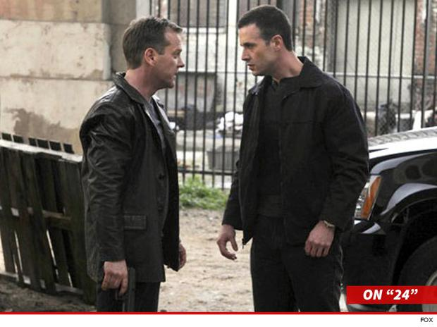 Kiefer Sutherland and Freddie Prinze Jnr on 24