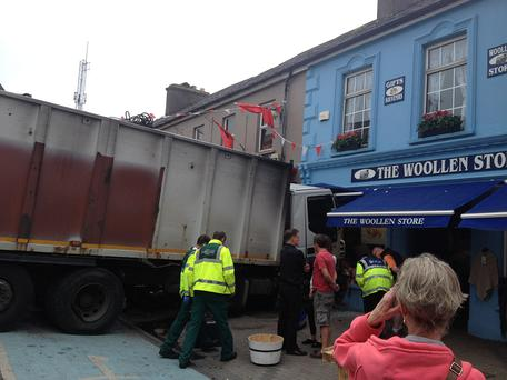 An out-of-control truck has caused damage to a number of vehicles in Dingle town centre