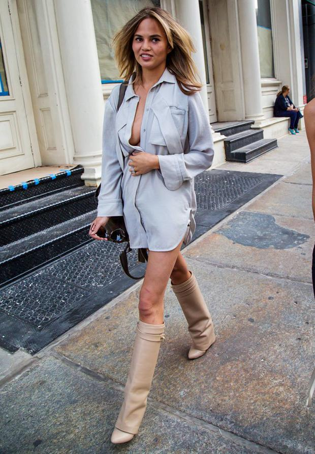 Let Olivia Palermo And Chrissy Teigen Show You How To Work